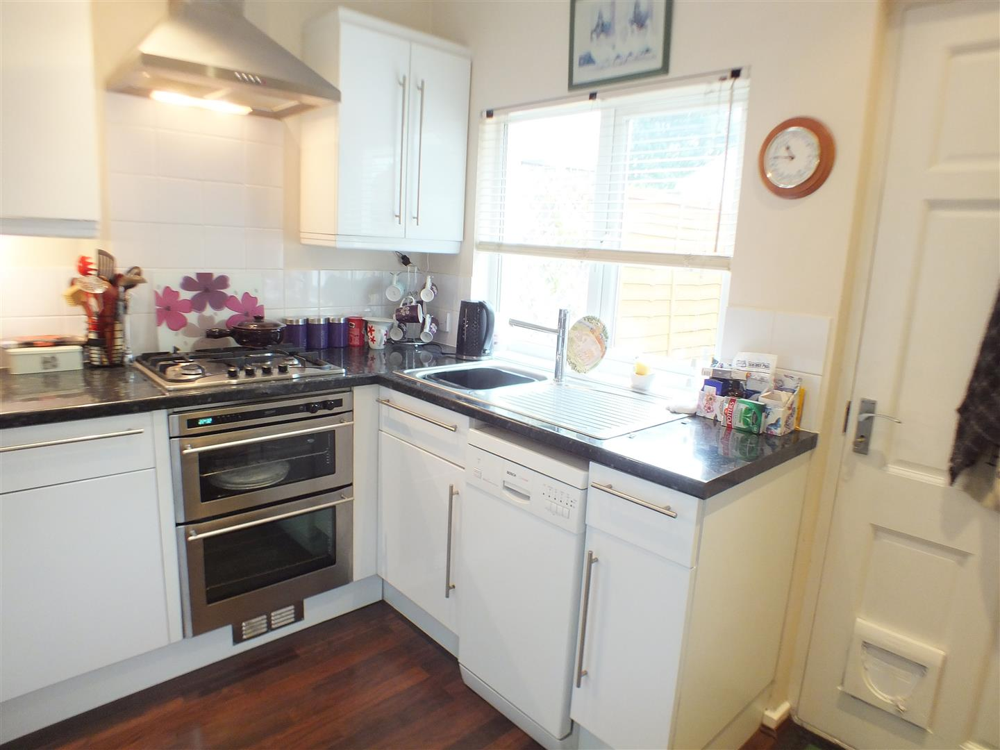 1 Bedroom Semi Detached Bungalow for sale in Arch Road, Hersham, Walton-On-Thames